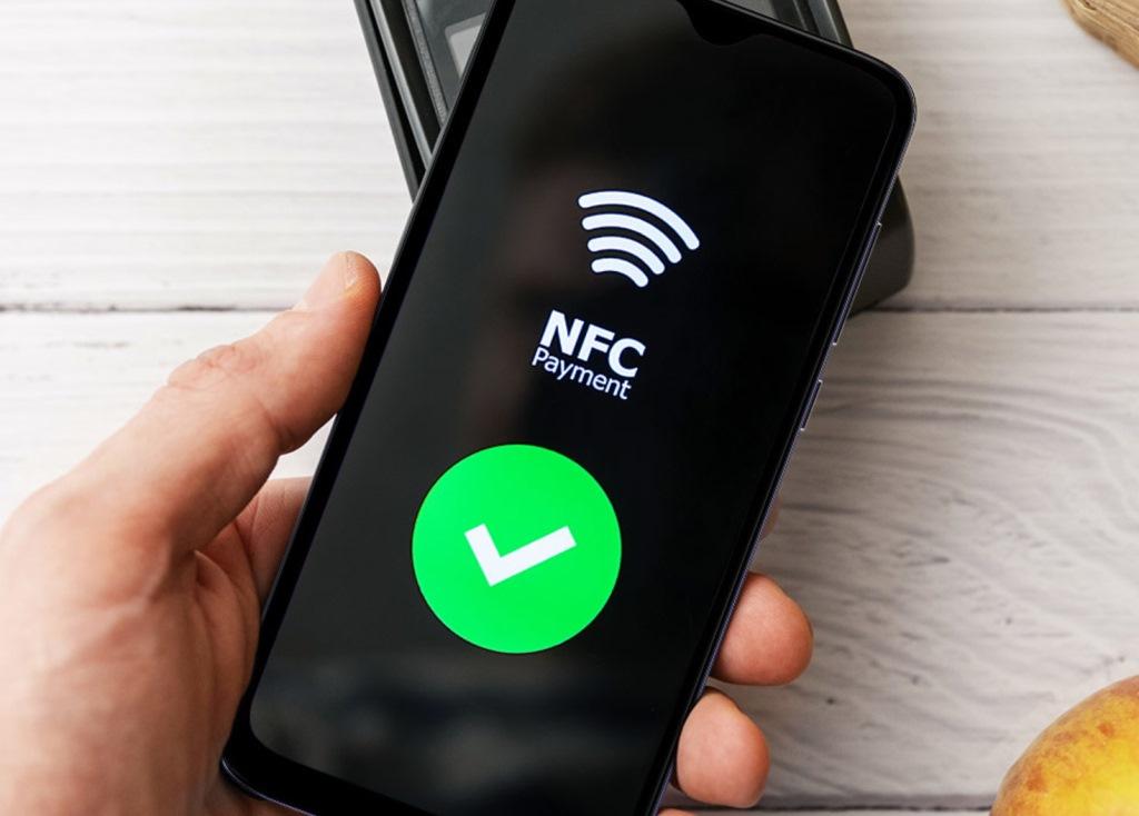Круче и дешевле Xiaomi: выше российский смартфон за 6990 рублей с NFC и 4 ГБ ОЗУ