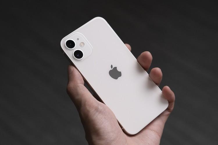 Каждому по айфону. Назвали самые популярные смартфоны начала 2021 года