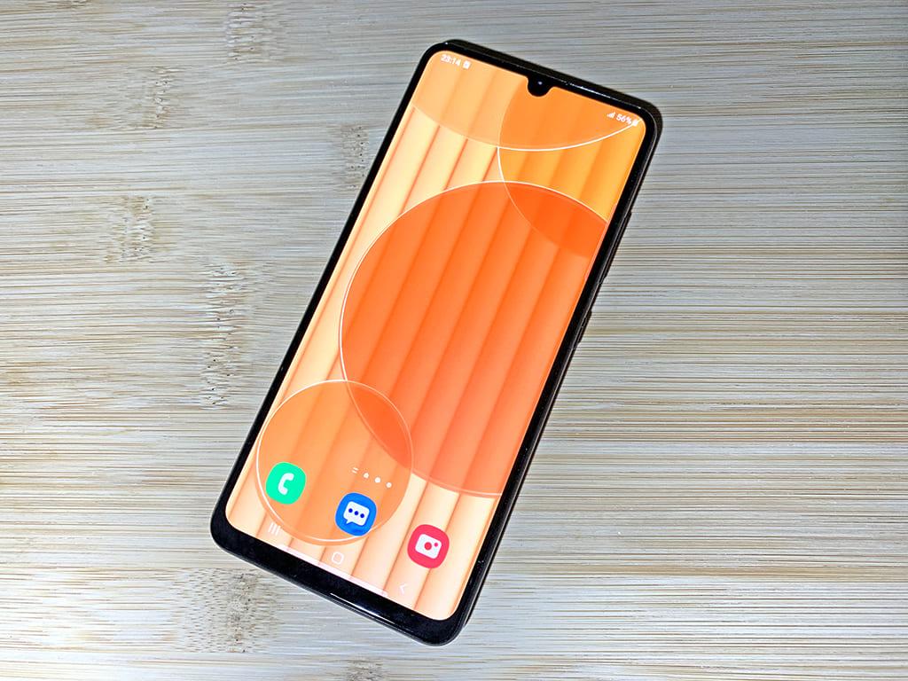 Это уже перебор: Samsung c 90 Гц, шикарным sAMOLED, NFC распродают за 15 тысяч