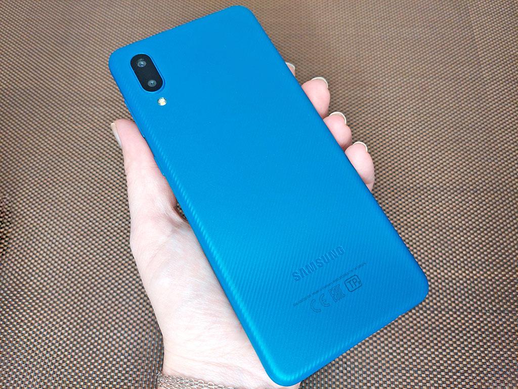5000 мАч, USB C, безграничный V-экран, карты памяти до 1 ТБ: все это в смартфоне 2021 года за 7 тысяч рублей